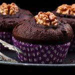 Muffin al triplo cioccolato./ Triple chocolate muffins.