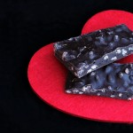 Barrette di cioccolato ai cereali soffiati/ Chocolate bars with puffed cereals.