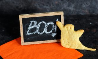 Crackers di mais versione Halloween/ Cornmeal scary crackers.