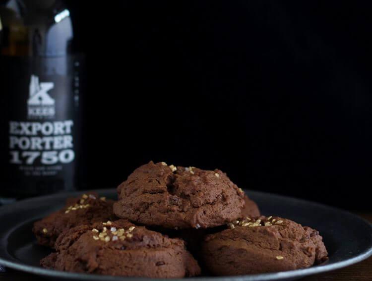 Biscotti alla birra Porter e cioccolato/ Porter beer & chocolate cookies.