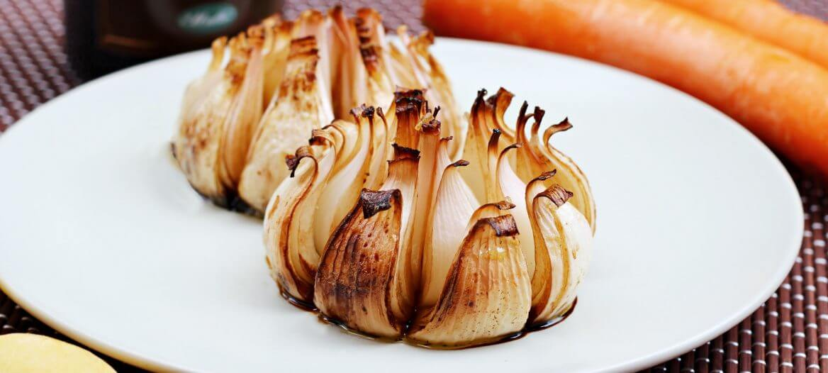 Cipolle al forno caramellate/ Baked caramelized onions.
