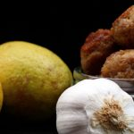 Polpettine limone e pecorino./ Pecorino cheese and lemon meatballs.