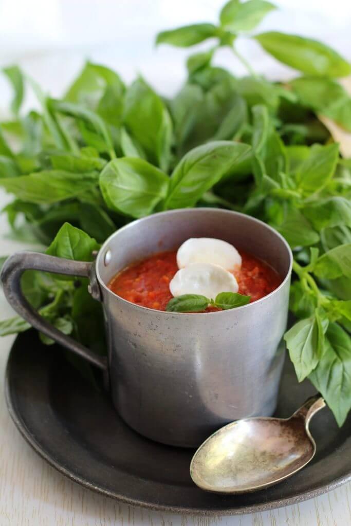 Zuppa di pomodori arrostiti/ Roasted tomato soup.