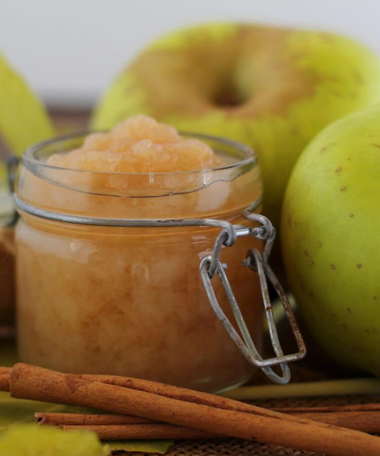 Apfelmus speziata, salsa di mele tedesca con spezie.