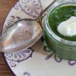 Crema di spinaci con spuma di squacquerone.