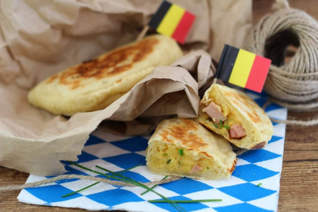 Piadina turnovers with German filling.