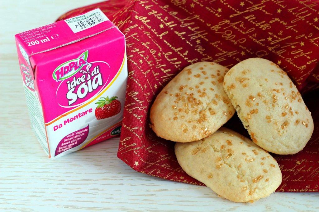 Biscotti vegani alla crema di soia.
