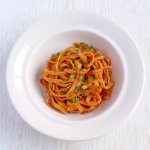 Wholewheat noodles with dry tomato's pesto, smoked paprika and chives.