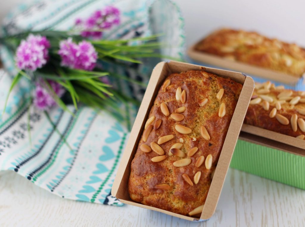Plum- cake feta, pesto e pinoli.